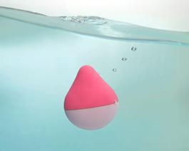 お風呂でも楽しめる防水設計